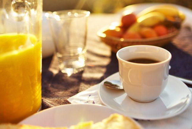 Petit-dejeuner-gite-de-la-gravée-1140x765